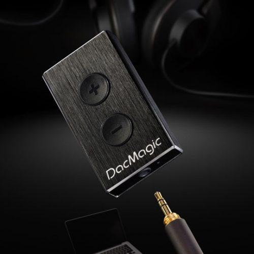 Piccolo DAC MAGI XS DACMAGIC XS DACMAGICXS USB portatile, può essere usato come DAC per cuffie o per uscita linea - uscita cuffia di elevata qualità - controllo volume analogico con tasto sul cabinet (a differenza di quasi tutti i modelli concorrenti) - RGB LED per indicare il valore di campionamento - 24/192 Asynchronous USB Audio con driver (24/96 senza driver) cambridge audio offerta promozione sconto scontato outlet dolfi hi-fi firenze toscana