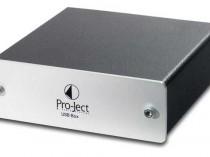 USBBOX SE II PROJECT PRO-JECT OFFERTA PROMOZIONE SCONTO SCONTATO OCCASIONE OUTLET DOLFI HI-FI FIRENZE HI FI FIDELITY HIGH END TOSCANA ITALIA Pro-Ject USB Box Convertitore D/A Serie Box Design: convertitore D/A audiophile, per trasferire contenuti musicali dal PC/MAC all'impianto HiFi. Circuitazione SMD per il più corto percorso del segnale. Uscita a bassa impedenza. Plug&Play non necessita software. Dimensioni: 103x38mm (l x a).
