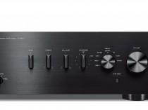 AS501 A-S501 AMPLI AMPLIFICATORE INTEGRATO AUDIO/VIDEO YAMAHA OFFERTA PROMOZIONE SCONTO SCONTATO OCCASIONE OUTLET DOLFI HI-FI FIRENZE HI FI FIDELITY HIGH END TOSCANA ITALIA Amplificatore integrato. Ingresso audio digitale per TV o lettore BD. Connessioni per adattatore BT YBA-11. Potenza max 120W x 2 , 85W x 2 (RMS) LxAxP 435x151x387, 10,3 kg Progettazione della Circuiteria per un'Elevata Qualità Audio ToP-ART (Total Purity Audio Reproduction Technology) La progettazione ToP-ART e ART Base Assicura il suono ottimale. Con il processamento e la trasmissione semplice e diretta del segnale audio ci sono meno possibilità che esso sia influenzato da rumore e distorsione. La tecnologia utilizzata per l'amplificazione di Yamaha, chiamata ToP-ART è caratterizzata da una progettazione Diretta e Simmetrica I/O (input to output) , con i canali destro e sinistro disposti i un layout diretto e simmetrico per la massima purezza del segnale. In aggiunta, la base dello chassis ART (Anti-Resonance and Tough) e una struttura di rinforzo conferiscono alla struttura un'estrema rigidità e una sensibile riduzione delle vibrazioni. Questa innovativa progettazione di Yamaha contribuisce a dare musicalità e ricchezza alla riproduzione audio. Componenti di Elevata Qualità per Prestazioni Audio Straordinarie Trasformatore e condensatori customizzati, due relay diretti di percorso di segnale dei diffusori, sistema con un punto di messa a terra, dissipatore in alluminio estruso e componenti della massima qualità in grado di gestire senza sforzo i più esigenti segnali audio. La qualità di ogni componente, così come il funzionamento integrato, determina la qualità audio dei componenti HiFi. Yamaha utilizza solo componenti di alta qualità, attentamente selezionati e testati. Creati dalla Ricca Tradizione ed Esperienza di Yamaha, e dalle Elevate Conoscenze Tecnologiche Yamaha, con una lunga storia di più di 125 anni come produttore di strumenti musicali, ha una forte tradizione e nei componenti HiFi