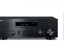 Proiettore sonoro digitale di rete Yamaha RN602 MUSICCAST MUSIC CAST LOUDSPEAKER MULTIMEDIA & STREAMING WIFI WI-FI WI FI WIRELESS SPEAKER Sistema audio integrato Sintoamplificatore streamer audiovideo Audio MODULO FM DAB FM/DAB+ alimentazione FM TUNER PREAMPLI PREAMPLIFICATORE STEREO STADIO PHONO MULTIMEDIA WIRELESS SPEAKERS PROEITTORE SONORO CANALE CENTRALE LETTORE CD COMPACT DISC SINTONIZZATORE SINTOAMPLI SINTOAMPLIFICATORE AMPLIFICATORE INTEGRATO sistema audio integrato INTEGRATED AMPLIFIER COPPIA DIFFUSORE ACUSTICO DIFFUSORI ACUSTICI CASSA ACUSTICA CASSE ACUSTICHE AUDIO/VIDEO OFFERTA PROMOZIONE SCONTO SCONTATO OCCASIONE OUTLET DOLFI HI-FI FIRENZE HI FI FIDELITY HIGH END TOSCANA ITALIA MusicCast, realmente HiFi R-N602 Sintoamplificatore di rete Progettazione ToP-ART per un'elevata qualità della riproduzione di sorgenti audio ad alta risoluzione. Compatibile con la riproduzione di file DSD 5,6 MHz nativo e PCM 384 kHz Supporta la riproduzione gapless. R-N602 Sintoamplificatore stereo di rete • Potenza massima in uscita: 105W+105W(4Ω,1kHz,THD0,7%) • Rapporto segnale/rumore: 100 dB (CD, ecc. [200 mV, ingresso cortocircuitato]) 87 dB (Phono MM [5 mV, ingresso cortocircuitato]) • Consumo energetico in standby: 1,85 W • Dimensioni (L × A × P): 435×151×392mm • Peso: 9,8 kg