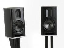 """SCANSONIC MB1 MB-1 MB 1 RAIDHO AMPLIFICATORE FINALE DI POTENZA STEREO MONO Proiettore sonoro digitale di rete LOUDSPEAKER MULTIMEDIA & STREAMING WIFI WI-FI WI FI WIRELESS SPEAKER Sistema audio integrato Sintoamplificatore streamer audiovideo Audio MODULO FM DAB FM/DAB+ alimentazione FM TUNER PREAMPLI PREAMPLIFICATORE STEREO STADIO PHONO MULTIMEDIA WIRELESS SPEAKERS PROEITTORE SONORO CANALE CENTRALE LETTORE CD COMPACT DISC SINTONIZZATORE SINTOAMPLI SINTOAMPLIFICATORE AMPLIFICATORE INTEGRATO sistema audio integrato INTEGRATED AMPLIFIER COPPIA DIFFUSORE ACUSTICO DIFFUSORI ACUSTICI CASSA ACUSTICA CASSE ACUSTICHE AUDIO/VIDEO OFFERTA PROMOZIONE SCONTO SCONTATO OCCASIONE OUTLET DOLFI HI-FI FIRENZE HI FI FIDELITY HIGH END TOSCANA ITALIA Misure: (WxHxD) 178 x 312 x 286 mm Peso: 6,1 kg Risposta di frequenza: 50 Hz - 40 kHz Impedenza: > 6 ohm Crossover: 3.5 kHz 2. order acoustic slope Cabinet: curvo, rinforzato e ventilato, frontale e piedini regolabili in alluminio Unità drive: 1tweeter a nastro sigillato con kapton / membrana sandwich in alluminio. 2 driver da 4.5"""" in fibra di carbonio per il basso / per il medio conduttore con sistema magnetico a sbalzo.Si consigliano di amplificatori di alta qualità > 50W"""