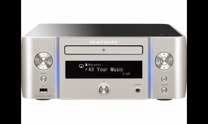 marantz-mcr-611-melody-Sistema audio integrato wireless Marantz serie MELODY MUSIC STREAM M-CR611 MCR611 MCR 611 AMPLIFICATORE FINALE DI POTENZA STEREO MONO Proiettore sonoro digitale di rete LOUDSPEAKER MULTIMEDIA & STREAMING WIFI WI-FI WI FI WIRELESS SPEAKER streamer audiovideo Audio MODULO FM DAB FM/DAB+ alimentazione FM TUNER PREAMPLI PREAMPLIFICATORE STEREO STADIO PHONO MULTIMEDIA WIRELESS SPEAKERS PROEITTORE SONORO CANALE CENTRALE LETTORE CD COMPACT DISC SINTONIZZATORE SINTOAMPLI SINTOAMPLIFICATORE AV A/V AUDIO VIDEO AMPLIFICATORE INTEGRATO sistema audio integrato INTEGRATED AMPLIFIER COPPIA DIFFUSORE ACUSTICO DIFFUSORI ACUSTICI CASSA ACUSTICA CASSE ACUSTICHE AUDIO/VIDEO RIBASSI OFFERTA PROMOZIONE SCONTO SCONTATO OCCASIONE OUTLET DOLFI HI-FI FIRENZE HI FI FIDELITY HIGH END TOSCANA ITALIA Sintoamplificatore di rere compatto, prestazioni Audio Hi-Fi Marantz, 60W x 2ch, Bi-amping (30W x 4ch), Diffusori A/B (da telecomando) con controllo di volume individuale, Compatibilità con diffusori acustici a 4ohm; Streaming e altre sorgenti: Riproduzione CD, WMA/MP3(CD-R/RW), FM & DAB/DAB+, Bluetooth con NFC, AirPlay, Spotify Connect e InternetRadio,StreamingdifilemusicalidaComputer/NAS(DLNA1.5),Gaplessplayback (W AV/FLAC/AIFF/ALAC) W AV/FLAC/AIFF 192kHz/24bit, ALAC, DSD 2.8MHz, 2x ingressi USB per iDevice e memorie USB stick (frontale e posteriore), 2 ingressi digitali ottici per TV o altri dispositivi digitali; coperchio acrilico con finitura antigraffio, pannello frontale con illuminazione colorata, Modulo di rete Wi-Fi con antenna integrata, pre out analogico (fisso o variabile), Subwoofer pre-out, grande display OLED a 3 linee per una chiara visione, Ricarica di iPhone/iPod in modalità standby, Controllabile con la nuova Marantz Hi-Fi Remote App