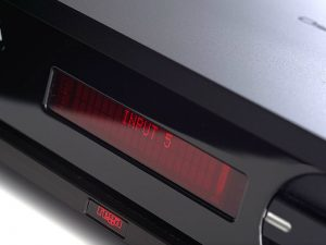img-gallery-osiris-led-Amplificatore integrato Rega OSIRIS 2x160 watt offerta promozione sconto scontato outlet telecomando